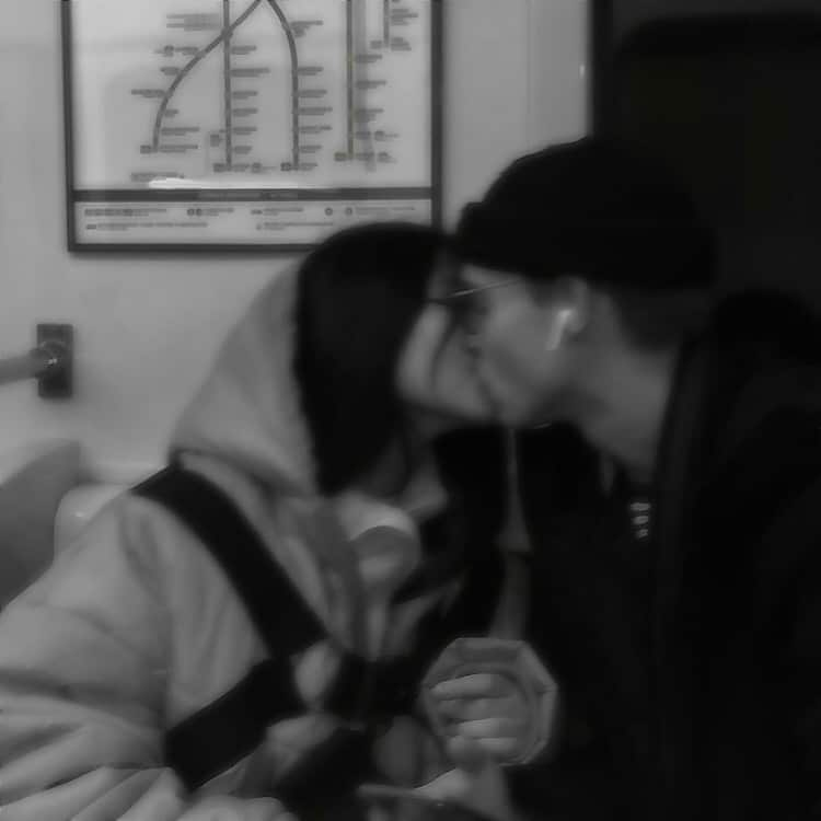 Lo que no debes hacer cuando estás besando a tu pareja